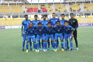 India's starting XI pose prior to the kick-off.